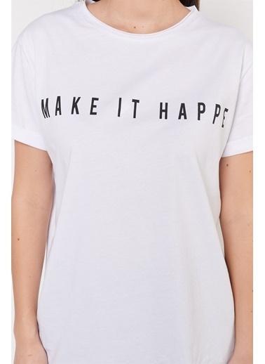 Levure Önü Baskılı Yanları Yırtmaçlı T-Shirt Beyaz